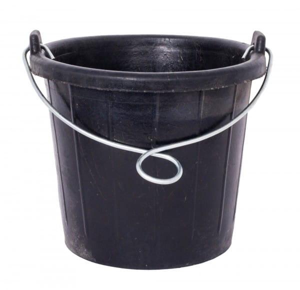 Wassereimer zum Aufhängen aus Recycling Reifen 7,5l